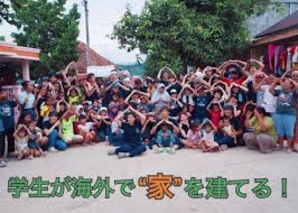 """北海道から沖縄まで、全国から集まった大学生70人がカンボジアで""""家""""を建てる!"""