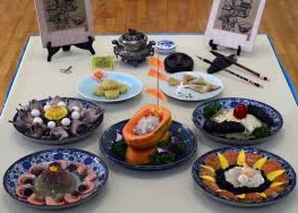 琉球王朝時代の宮廷料理を探求した書『御冠船料理の探求』をあなたの許へ。
