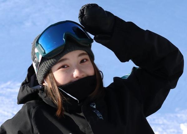 富山県のアスリート・スノーボード 鍛治茉音 応援プロジェクト